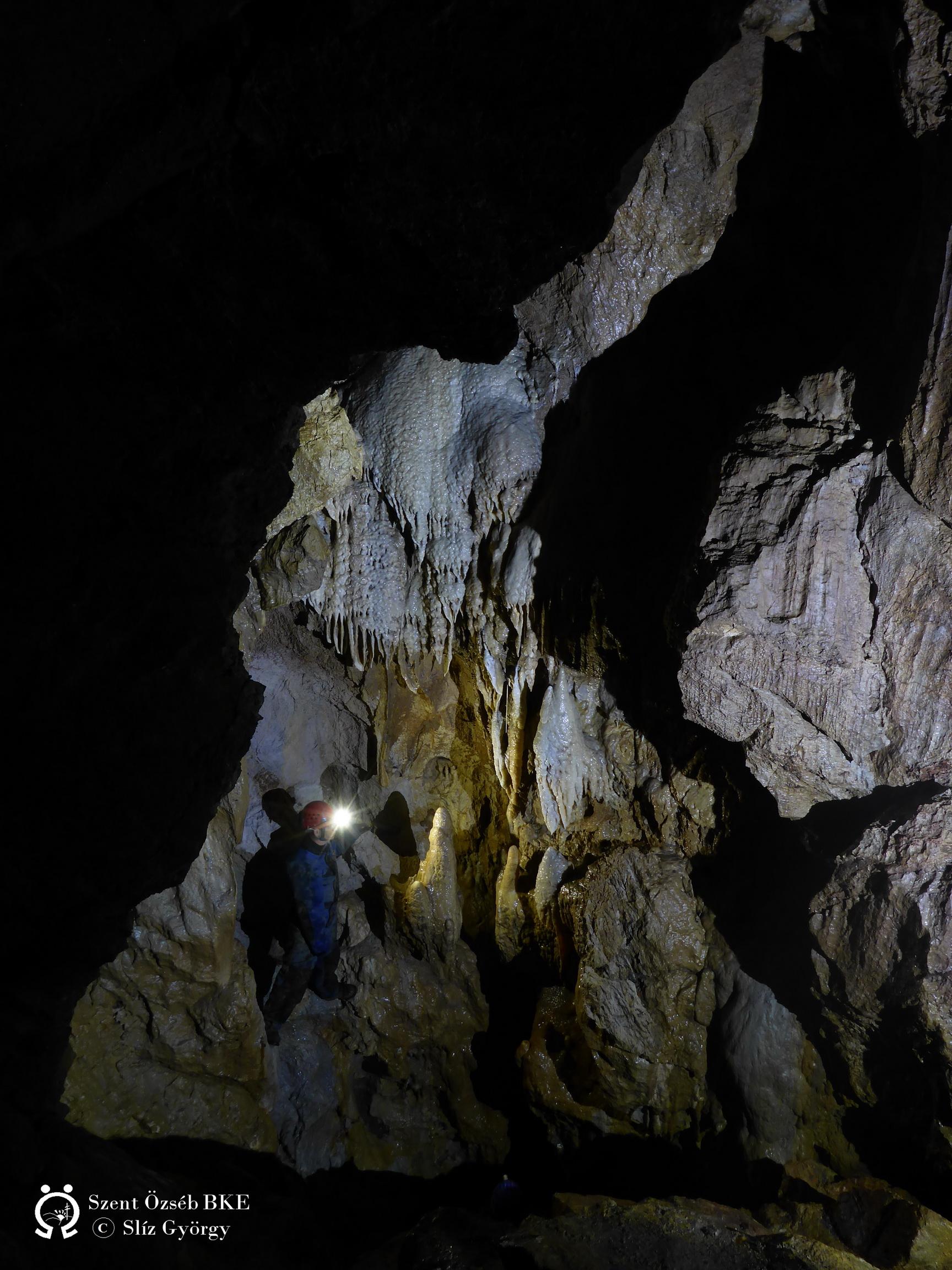 Diabáz-barlang, az aktív járat felső szakaszán