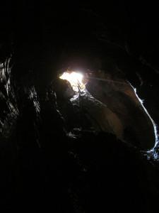 Egyelőre a bejárati akna a legtágasabb része a barlangnak