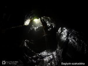 A bejárati akna az Ablakból felnézve