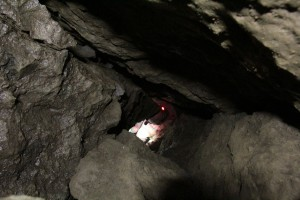 Az akna, amin kb 8 métert le lehetett csúszni